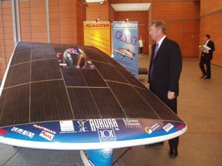 Tony Richards of EAPG admires the solar car